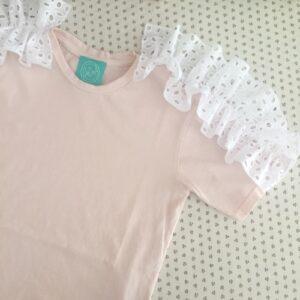 dafne-t-shirt-rosa-con-rouches-sangallo